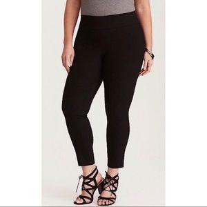 Torrid Black Deluxe Stretch Pixie Pants